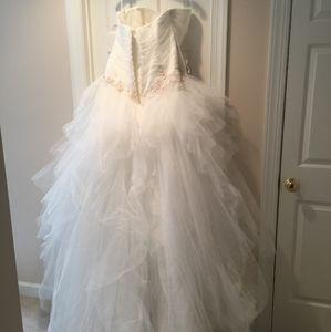 Alfred angelo Disney wedding dress size 18w